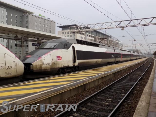 4523_(TGV_Réseau_Tri).JPG